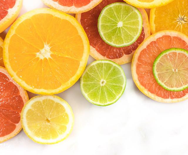 Buah Tinggi Vitamin C Dapat Mencegah Gangguan Pendengaran