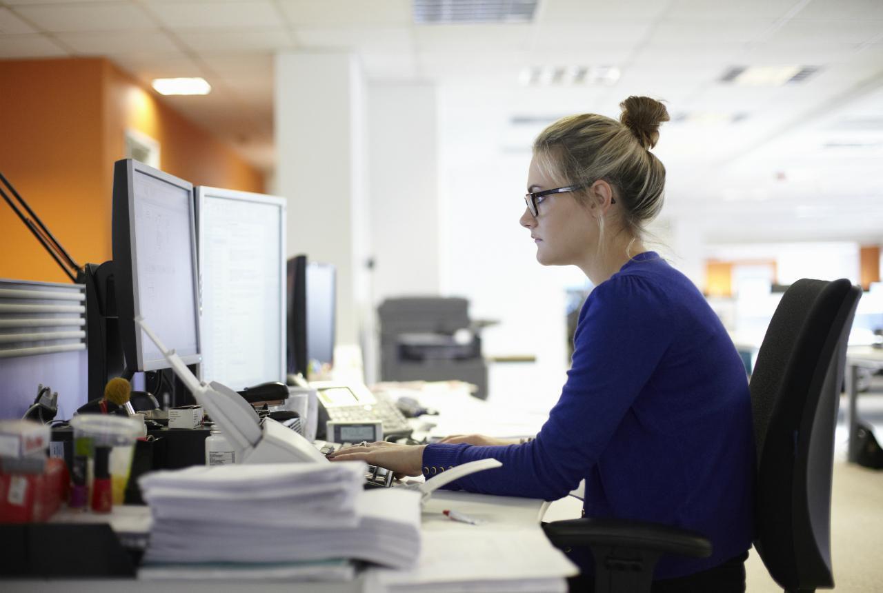 Stress Bekerja Bikin Pusing? Lakukan 6 Aktivitas Ini Di Kantor!