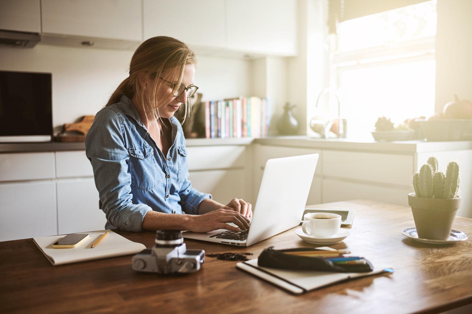 5 Keuntungan Saat Kamu Bekerja Secara Online