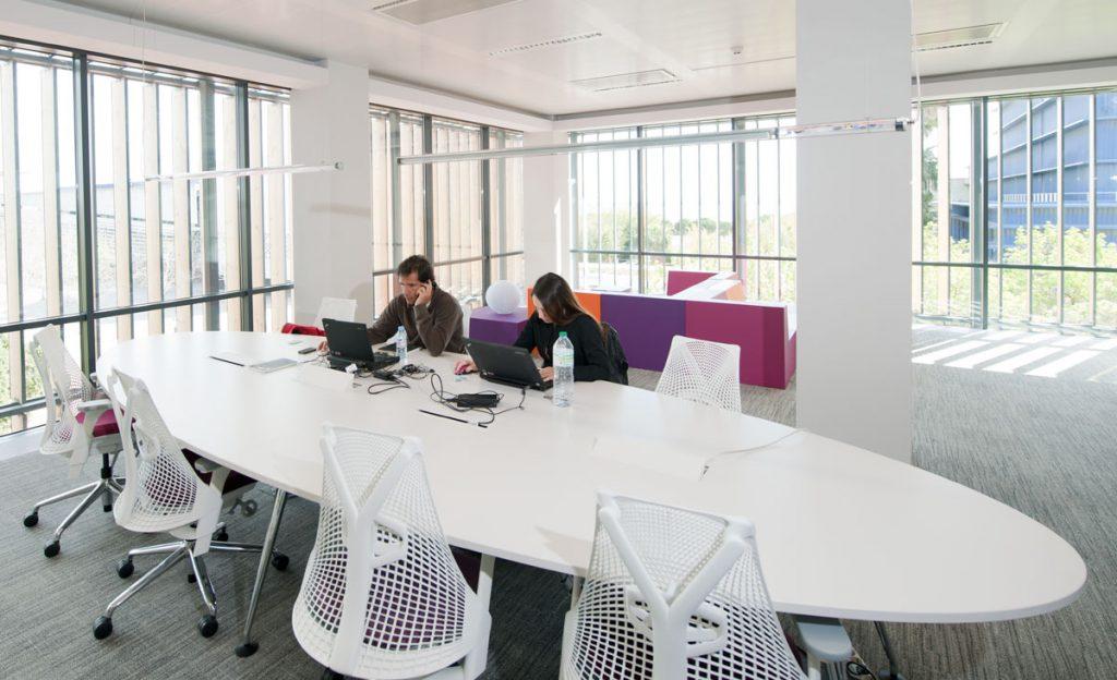 Tips Mengatur Lampu Di Ruang Kerja Agar Semakin Produktif