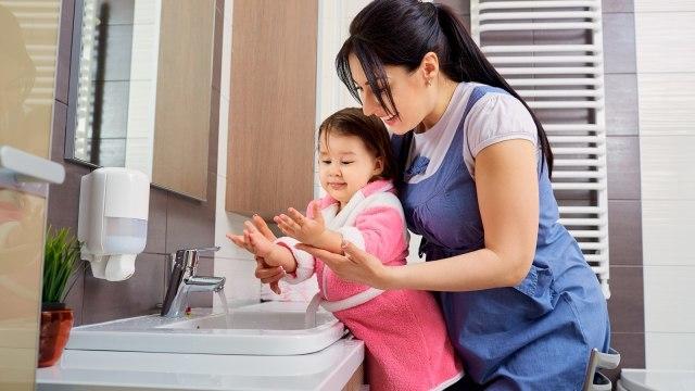 Parents, Yuk Mulai Ajari Anak Mencuci Tangan Dengan Benar