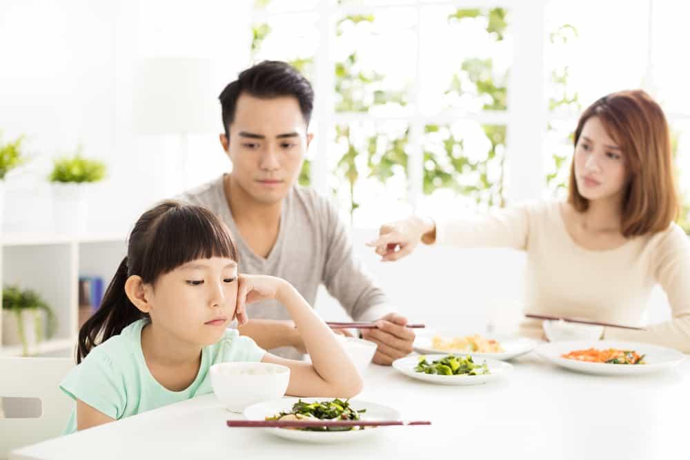 Coba Trik Berikut Untuk Menghadapi Anak Susah Makan