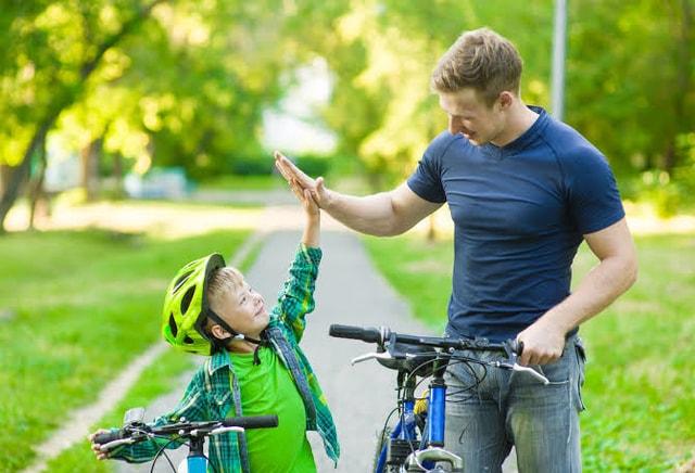 Berikut Ini Cara Mendampingi Anak yang Hiperaktif