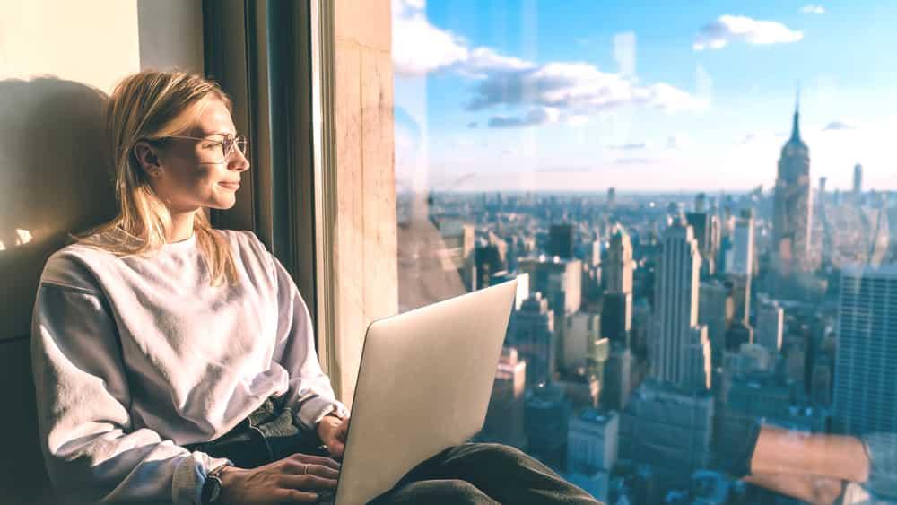 Sebelum Berangkat Kuliah Sambil Kerja di Luar Negeri, Yuk Simak Tips Berikut Ini