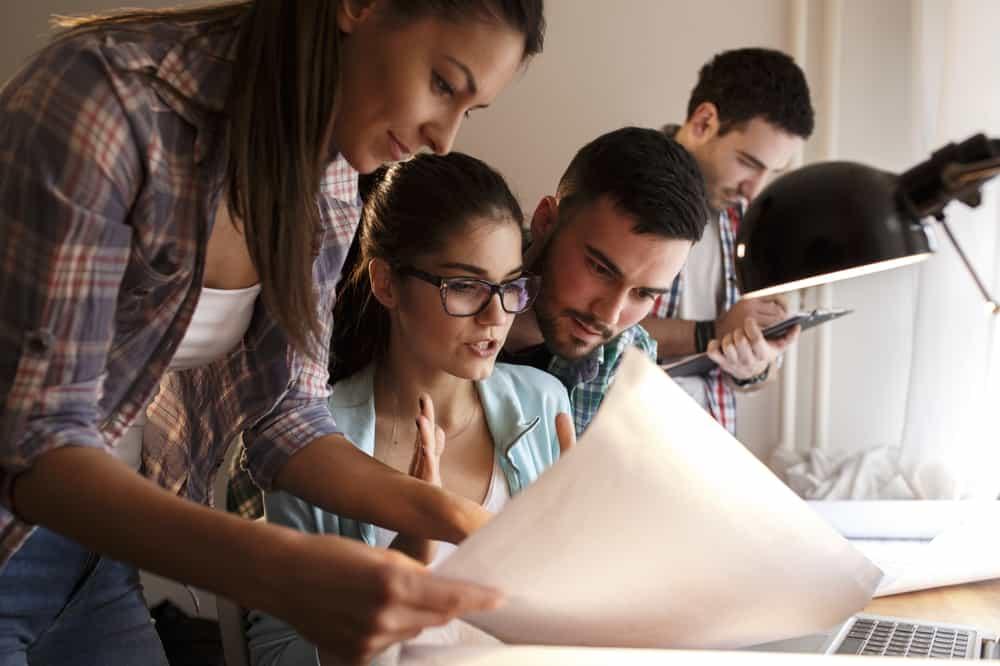 Kerja Teamwork atau Sendiri, Kamu Termasuk yang Mana?