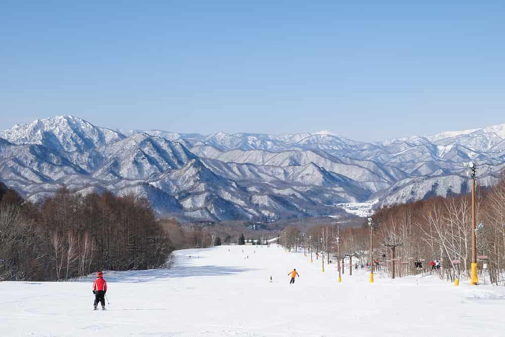 Ini Destinasi Liburan Terbaik Untuk Menikmati Salju. Bebas Visa, Lho!