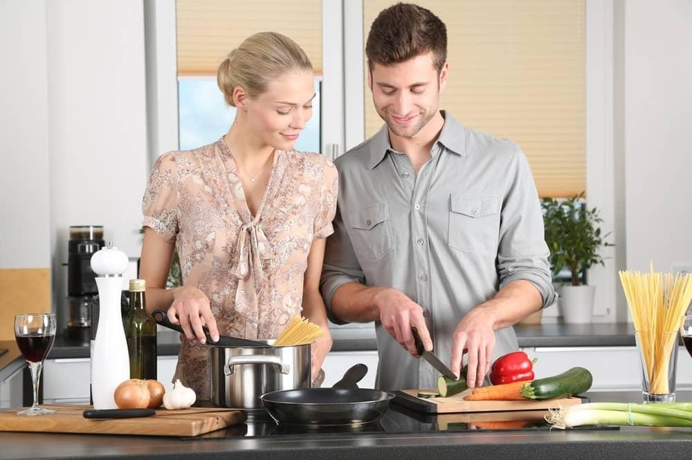 5 Rekomendasi Kegiatan Saat Valentine Selain Makan Malam Bersama Pasangan