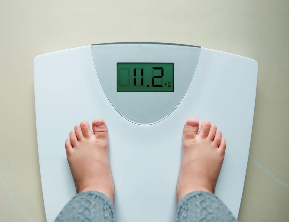 5 Tips Menjaga Berat Badan Ideal Anak