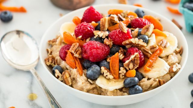 Pentingnya Mengonsumsi Makanan Kaya Vitamin C dan  Zinc Saat Berpuasa