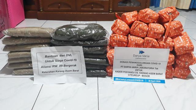 Enervon Berbagi Care Kits Untuk 38 kader posyandu di Citeureup