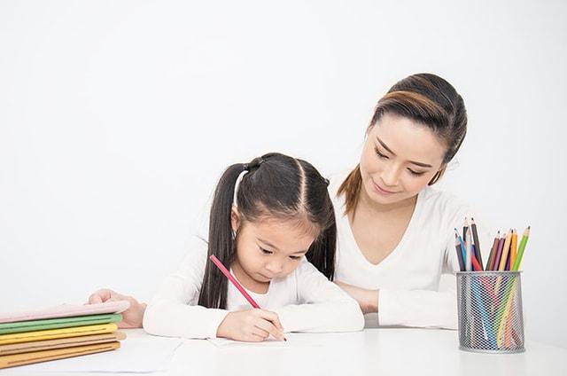Selama di Rumah Motivasi Belajar Anak Menurun? Tingkatkan Dengan 5 Cara Ini