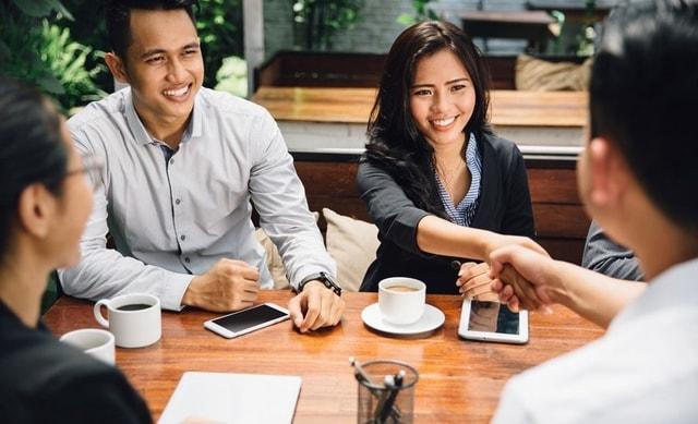 Sudah Kembali Ke Kantor, Berikut 5 Tips Percaya Diri Saat Meeting Dengan Klien
