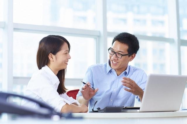 Bisa Bantu Kesuksesan, Ketahui 4 Manfaat Komunikasi Efektif di Lingkungan Kerja