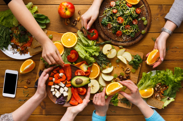 Makan Bersama Keluarga Di Restoran Selama Pandemi, Perhatikan Sejumlah Hal Ini