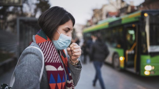 Naik Transportasi Umum Selama Pandemi? Deretan Tips Ini Bisa Bantu Cegah Penularan Virus Lewat Udara!