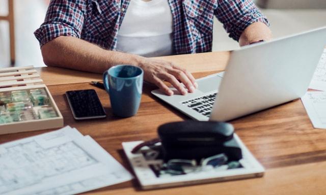 Punya Kerja Sampingan? 4 Tips Ini Bisa Bantu Kamu Manajemen Waktu Dengan Baik