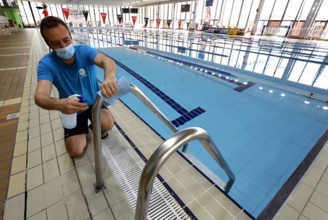 Berenang Tetap Aman Selama Pandemi, Lakukan 5 Tips Berikut