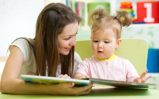 4 Teknik Membaca Dongeng Anak Agar Si Kecil Tertarik