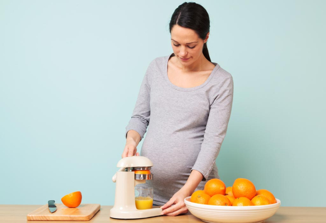 Vitamin C, Salah Satu Nutrisi Penting Untuk Daya Tahan Tubuh Ibu Hamil