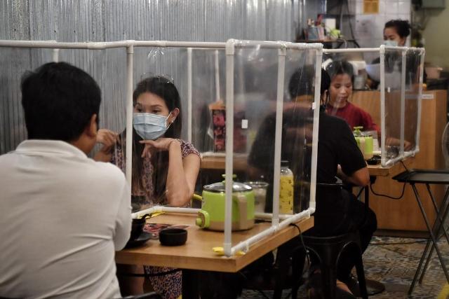 Klaster Tempat Makan Rentan Terjadi. Apa Bahayanya?