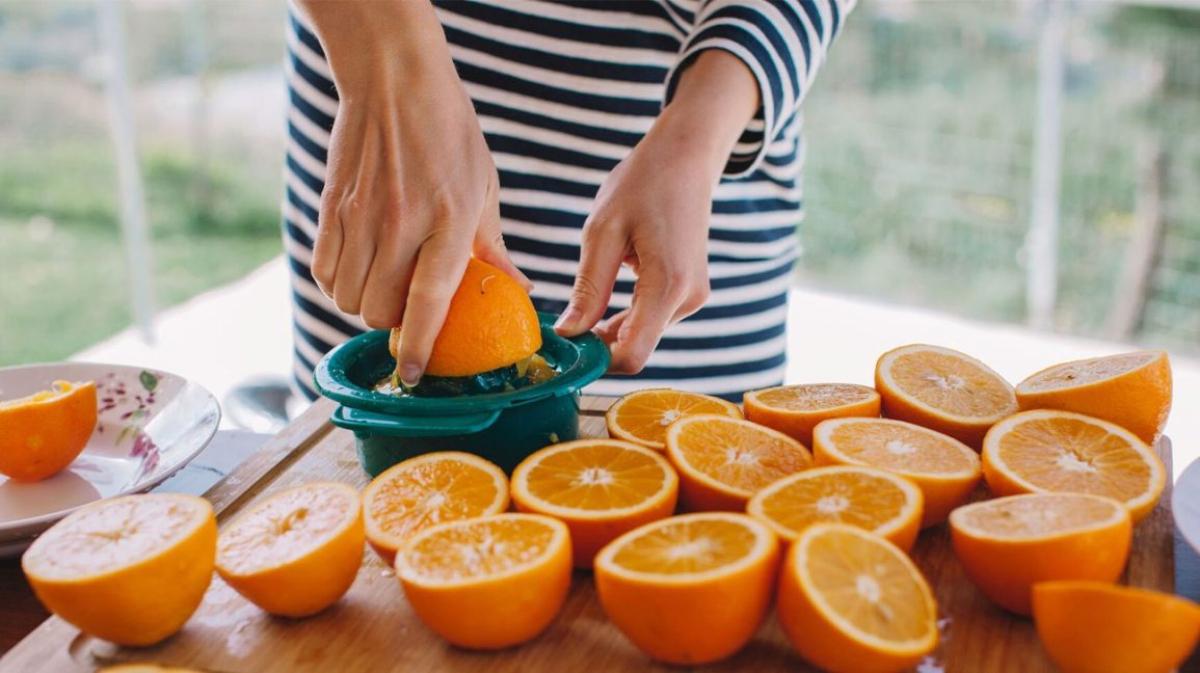Jaga Imun Selama PPKM, Yuk Ketahui Waktu Tepat Minum Suplemen Vitamin C!