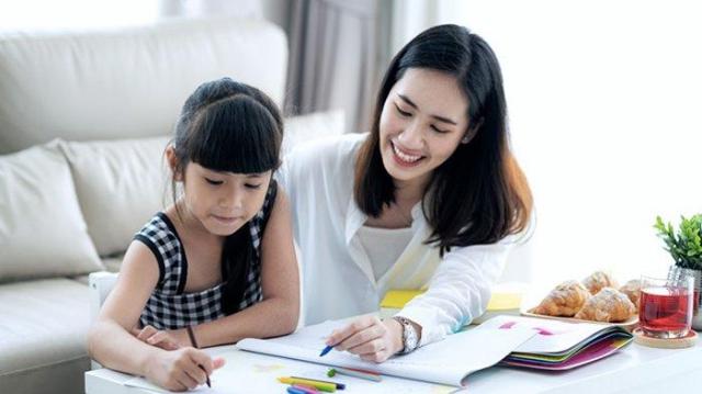 5 Pola Asuh Generasi Z yang Perlu Diterapkan Ketika Di Rumah Selama PSBB