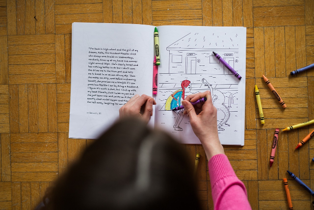 4 Tips Jitu Ajarkan Anak Belajar Mewarnai. Bisa Jadi Aktivitas Menarik Di Rumah!