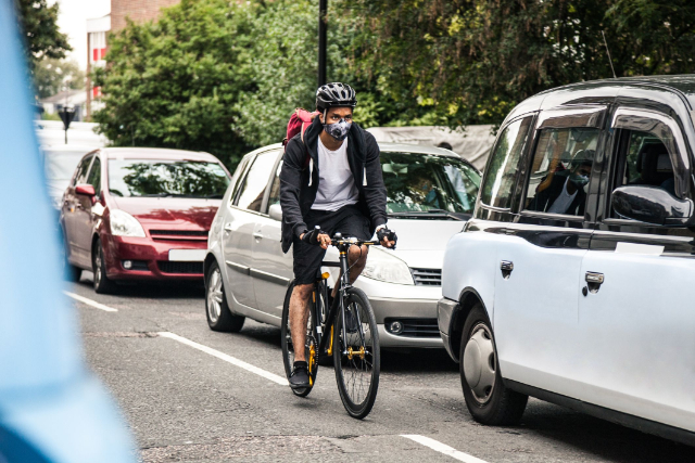 Masih Demam Gowes, Terapkan Sejumlah Tips Aman Bersepeda Selama PSBB Ini