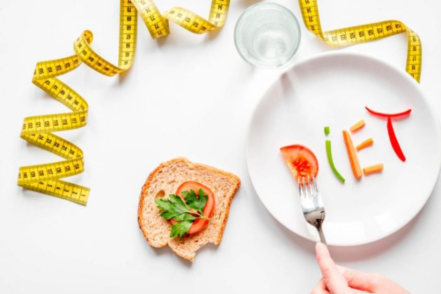 Agar Diet Lancar Saat Weekend, Terapkan 5 Kiat Jitu Ini