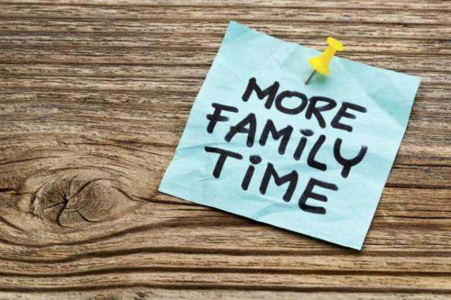 Quality Time Bareng Keluarga Saat Weekend, Ini 4 Kegiatan yang Bisa Dilakukan!