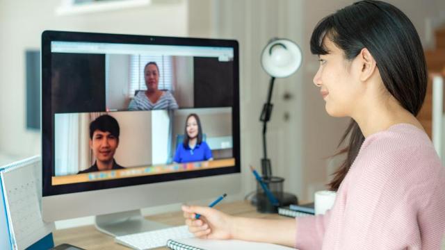 7 Tips Cara Berkomunikasi yang Baik Dengan Rekan Kerja Selama WFH