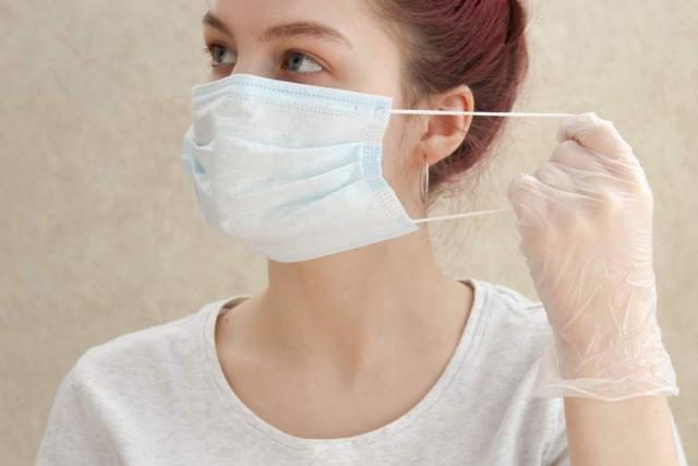Perlu Melepas Masker Di Luar Rumah, Ketahui Cara Aman Menyimpannya