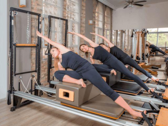 Pilates vs Yoga. Apa Sih Perbedaan Di Antara Keduanya?