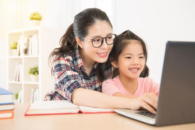 Si Kecil Malas Ketika Belajar Online? Parents Bisa Lakukan Deretan Trik Ini