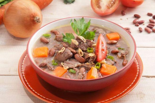 Makanan Hangat Cocok Dikonsumsi Saat Musim Hujan, Ini Resep Sup yang Bisa Kamu Coba
