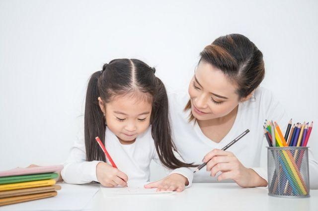 Pandemi Covid-19: Orangtua Perlu Lebih Kreatif Dalam Bantu Proses Belajar Anak
