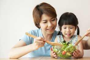 Mendidik Anak Soal Kebiasaan Makan Sehat, Perlu Dilakukan Sejak Dini
