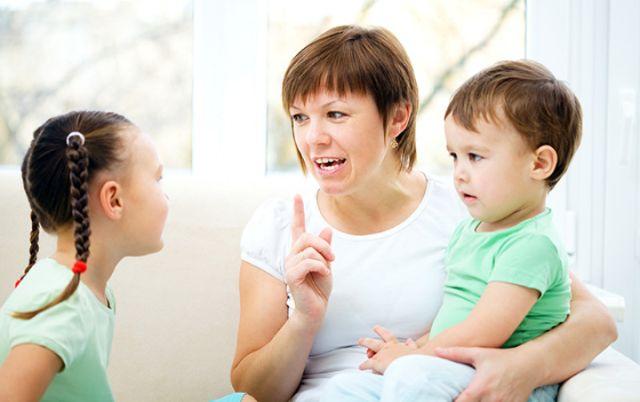 8 Hal Soal Sopan Santun yang Penting Diajarkan Pada Anak