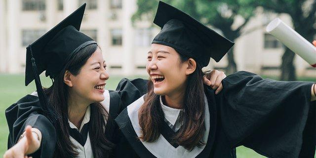 Siap Bekerja, Fresh Graduate Harus Ketahui 5 Hal Ini Terlebih Dahulu Ya!