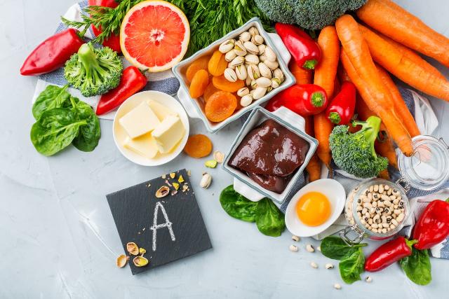 Sahur atau Berbuka, Kapan Ya Waktu Tepat Untuk Minum Vitamin?