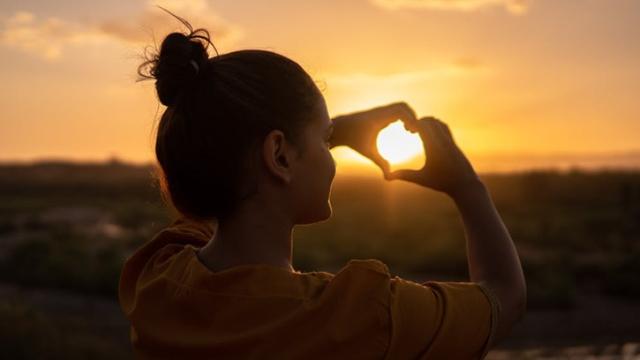 Mencintai Diri Sendiri Baik Untuk Kesehatan Fisik dan Mental, Gimana Cara Jalaninya?