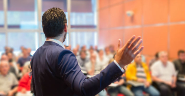 Ingin Sukses Saat Public Speaking? Ini Lho Kesalahan yang Mesti Dihindari