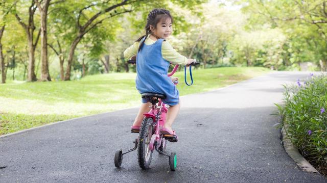 Bermain Sepeda Dapat Bantu Pertumbuhan Anak, Lho. Apa Saja?
