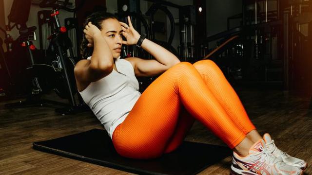 5 Gerakan Olahraga yang Cocok Dilakukan Saat Puasa, Ramah Bagi Pemula Lho!