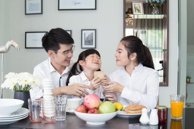 Keluarga Bahagia Dapat Dukung Pertumbuhan Anak, Lho. Gimana Cara Wujudkannya?