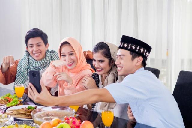 Lebih Baik Silaturahmi Online, Biar Lancar Ikuti 5 Tips Ini Ya