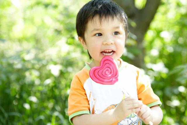 5 Makanan Ini Sebabkan Mood Swing pada Anak. Orangtua Perlu Tahu!