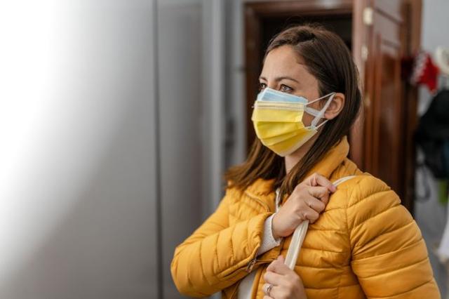 Masker Ganda Dapat Turunkan Risiko Infeksi Virus, Ketahui Cara Penggunaannya!
