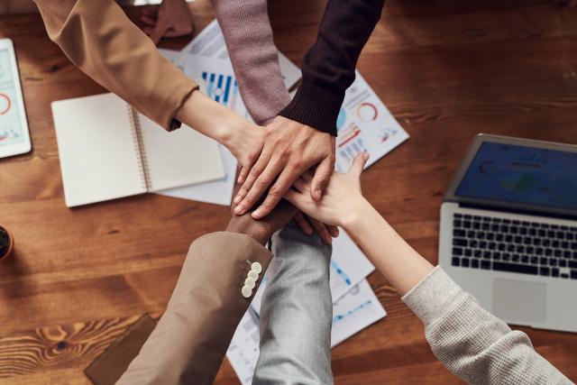 5 Tips Bekerja Sama Dalam Tim, Bantu Tingkatkan Produktivitas Lho!
