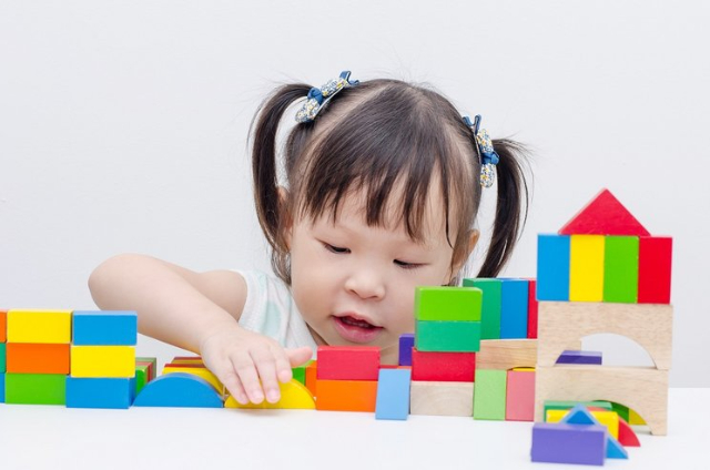 Moms, Ini 6 Mainan Edukatif Untuk Meningkatkan Kecerdasan Anak